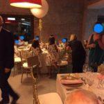 BUsco Monitora/Canguro para boda